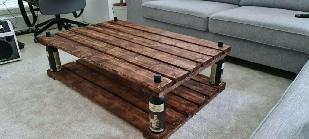 Awynin rakentama pöytä